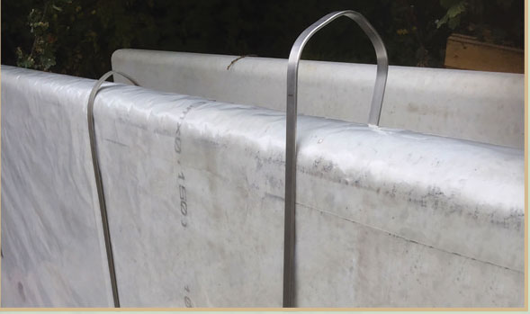Klampclips for silage clamp side sheets
